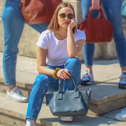 Modele-particulier-sac-mini-shopper-cuir-personnalisable-lilou-_0000_cuir-crispe-bleu-baltique-margaux-ranson