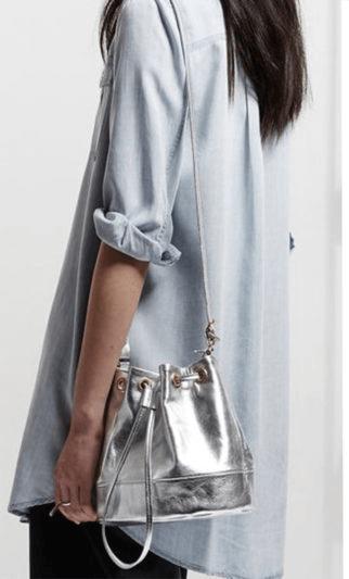 sac en cuir métallisé argenté
